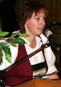 So wurden Lisa Stumpf, Richard Brandacher (Klarinette) und Martina Moser (Trompete) mit dem Leistungsabzeichen in Bronze ausgezeichnet, ... - Konzert-BMK-2005-055